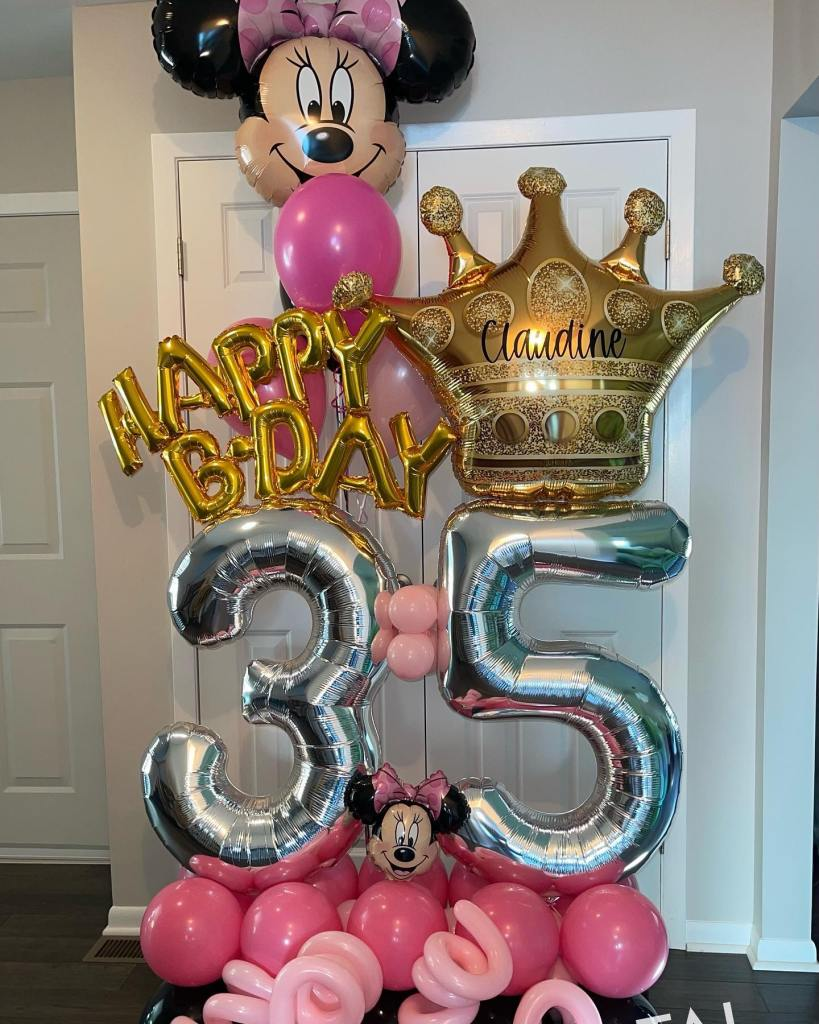 Special delivery!  Happy 35th birthday to Claudine! #birthdayballoons #balloonmarquee #balloondelivery #balloonsnearme #northbrunswickballoons #eastbrunswickballoons #balloonsbytotalparty #35 #celebrateeverything