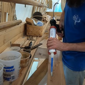 TotalBoat Thixo Fast Cure in use -08