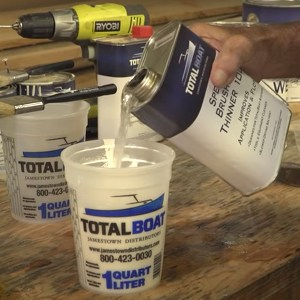 TotalBoat Special Brushing Thinner 100 in use -01