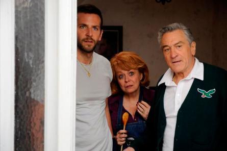 Bradley Cooper, Jacki Weaver a Robert De Niro v Terapii láskou