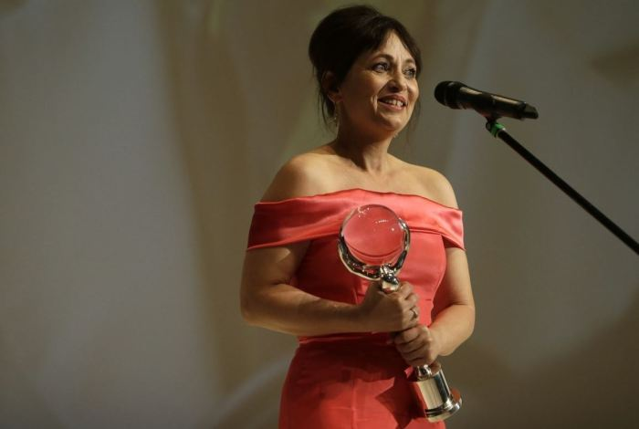 Alena Mihulová s Cenou za nejlepší ženský herecký výkon z MFF Karlovy Vary (Domácí péče)