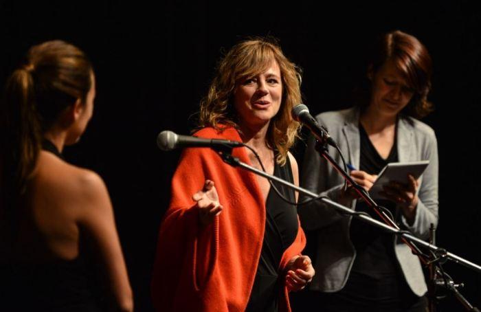 Emma Suaréz uvádí s Adrianou Ugarte Julietu