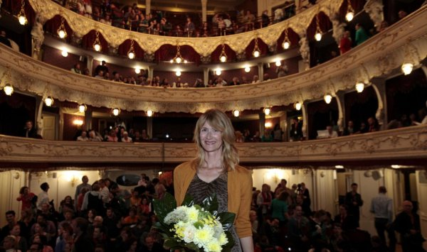 Laura Dern v Městském divadle Karlovy Vary