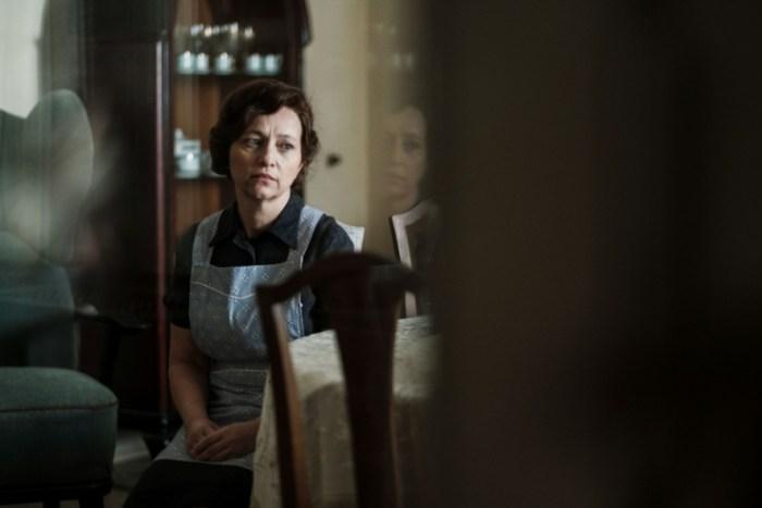Alena Mihulová jako hospodyně rodiny Horákových ve filmu Milada