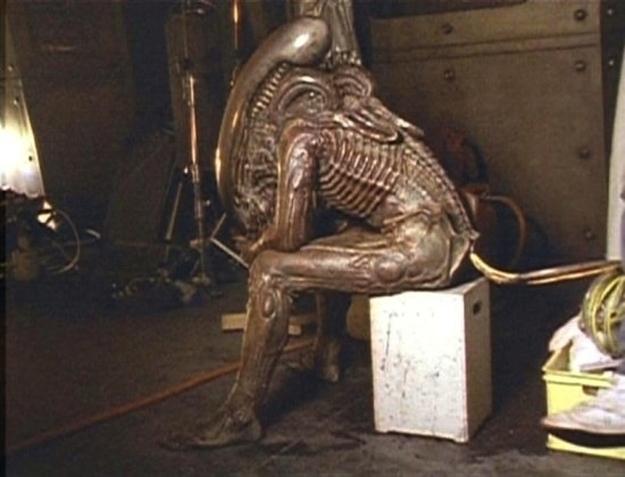 VETŘELEC právě odpočívá (1986)