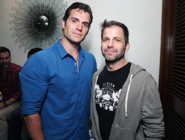 Cavill a Snyder na večírku Warner Bros.