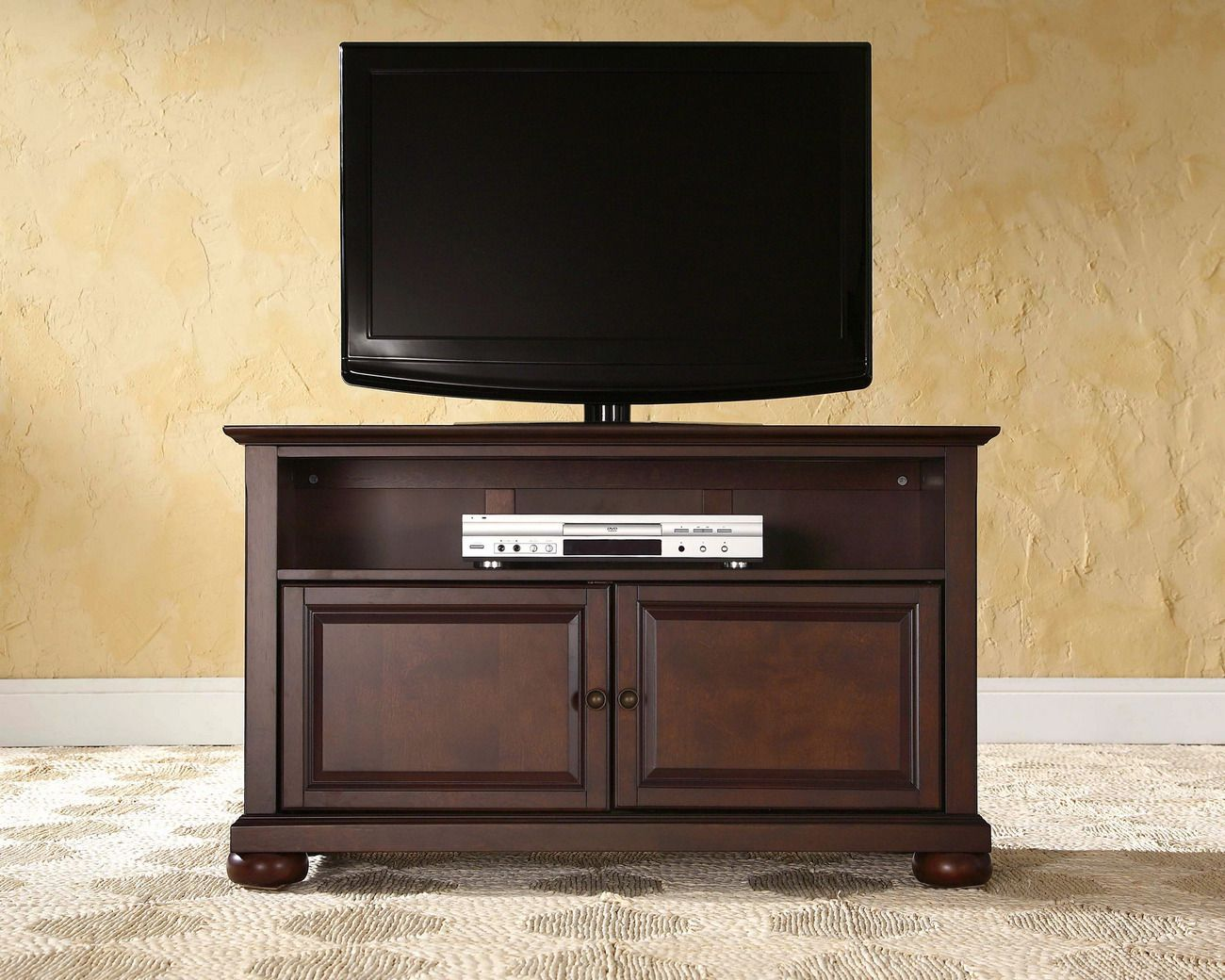 alexandria 42 tv stand in vintage mahogany finish crosley kf10003ama