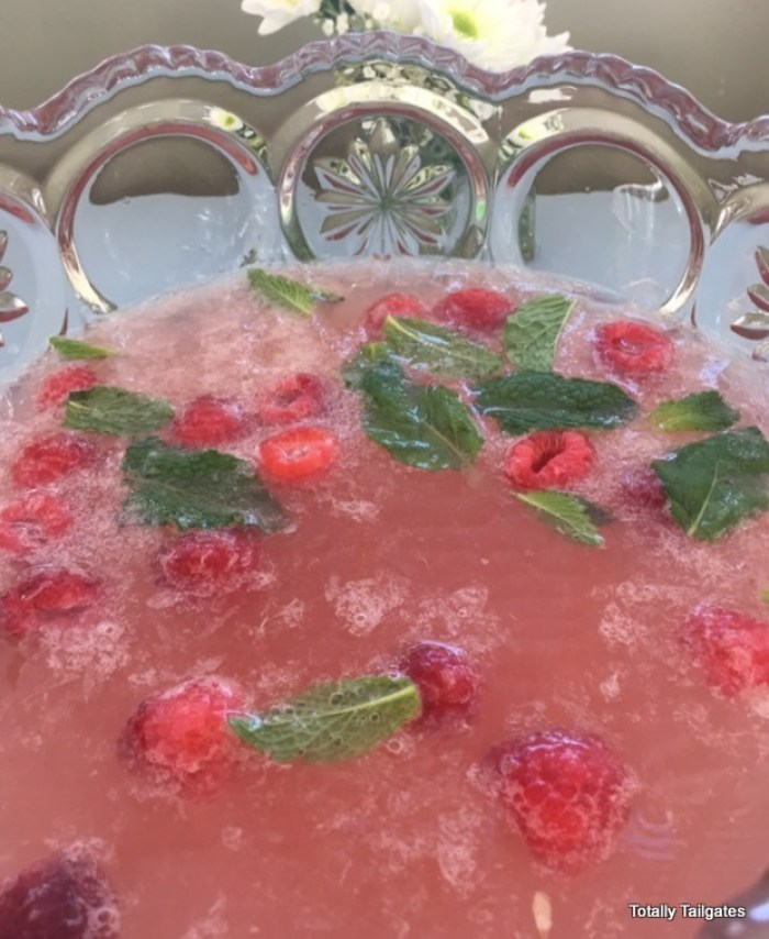Easter Brunch Punch: A non-alcoholic punch for families!
