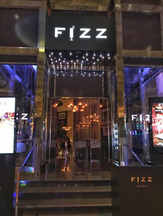 Where To Eat & Drink In Las Vegas: FIZZ Lounge