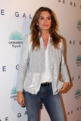 "LOS ANGELES - OCT 23: Cindy Crawford at the De Re Gallery & Casamigos Host The Opening Brian Bowen Smith's ""Wildlife"" Show at De Re Gallery on October 23, 2014 in West Hollywood, CA"