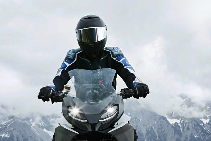 2018 BMW 9cento Concept Guide