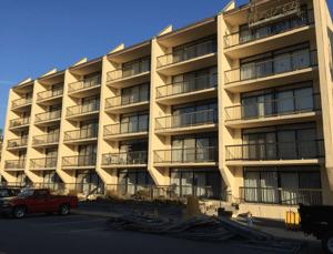 Dike with Vinyl Resin - Industrial Buildings - Total Restoration Services