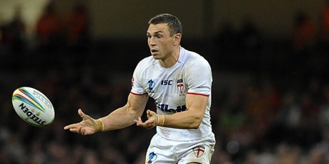 Kevin Sinfield in action for England at the RLWC2013. ©RLphotos