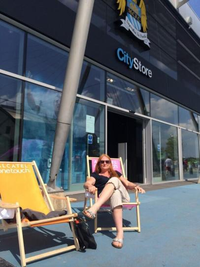 Our competition winner @ColletteRob relaxes in style!