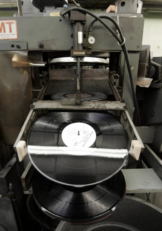 Vinyl Pressing Plants Mono Equipped