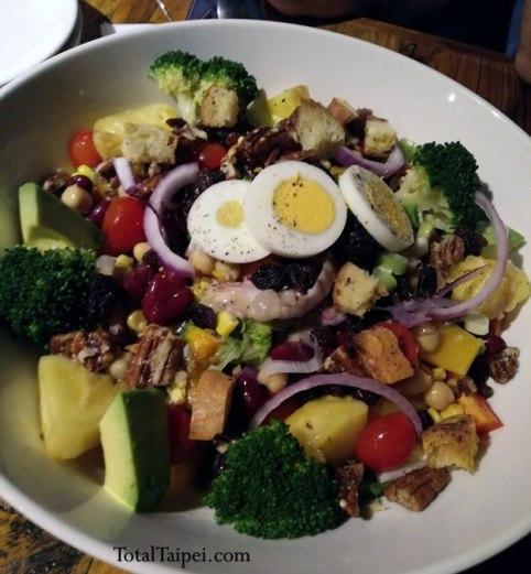 mia cucina Farmer's Salad