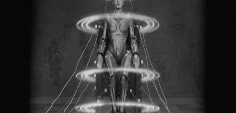 Metropolis creando androide