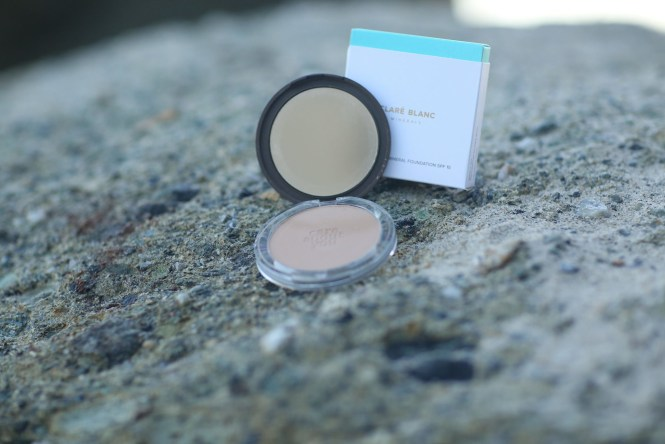 Read Debbie Savage of To Thine Own Style Be True's Review of Clare Blanc Mineral Makeup