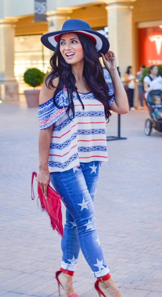 Debbie Savage of To Thine Own Style Be True Shares Her Patriotic Style for the 4th of July