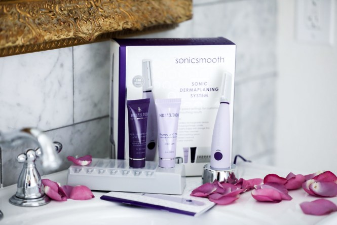 Michael Todd Beauty   Sonicsmooth   Sonic Dermaplaning System 1