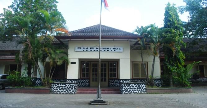 Daftar SMP MTS Negeri Swasta Terbaik Favorit Unggulan Kota YOGYAKARTA JOGJA.