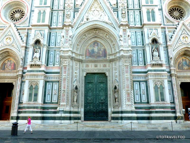 The Entrance to the Cathedral in the Piazza del Duomo
