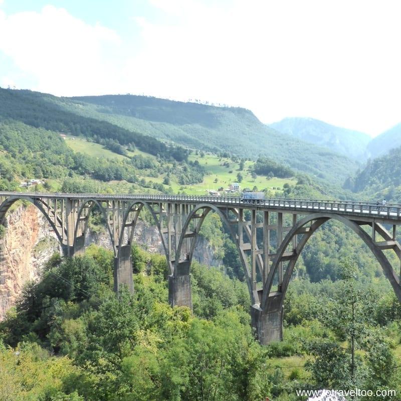 360Monte Tour Bridge over Tara River Canyon