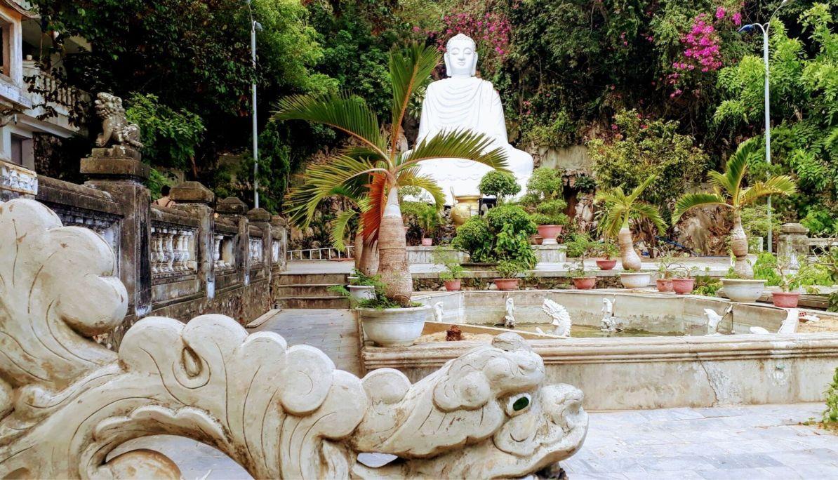 Buddha statue Marble Mountain