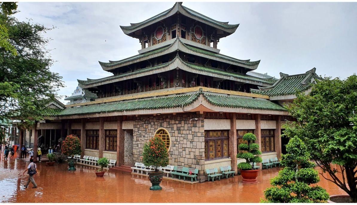 Ba Chau Xu Temple