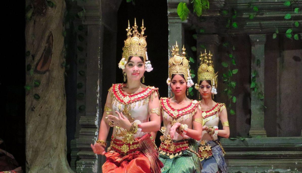 Aspara Dancing