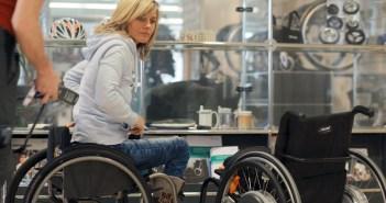 A atleta paraolímpica Edith Wolf Hunkeler, que está trabalhando com Maurizio Cattelan em um projeto para a Manifesta 11