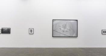 Vista da exposição Mauro Restiffe | Rússia na Galeria Fortes Vilaça, 2016