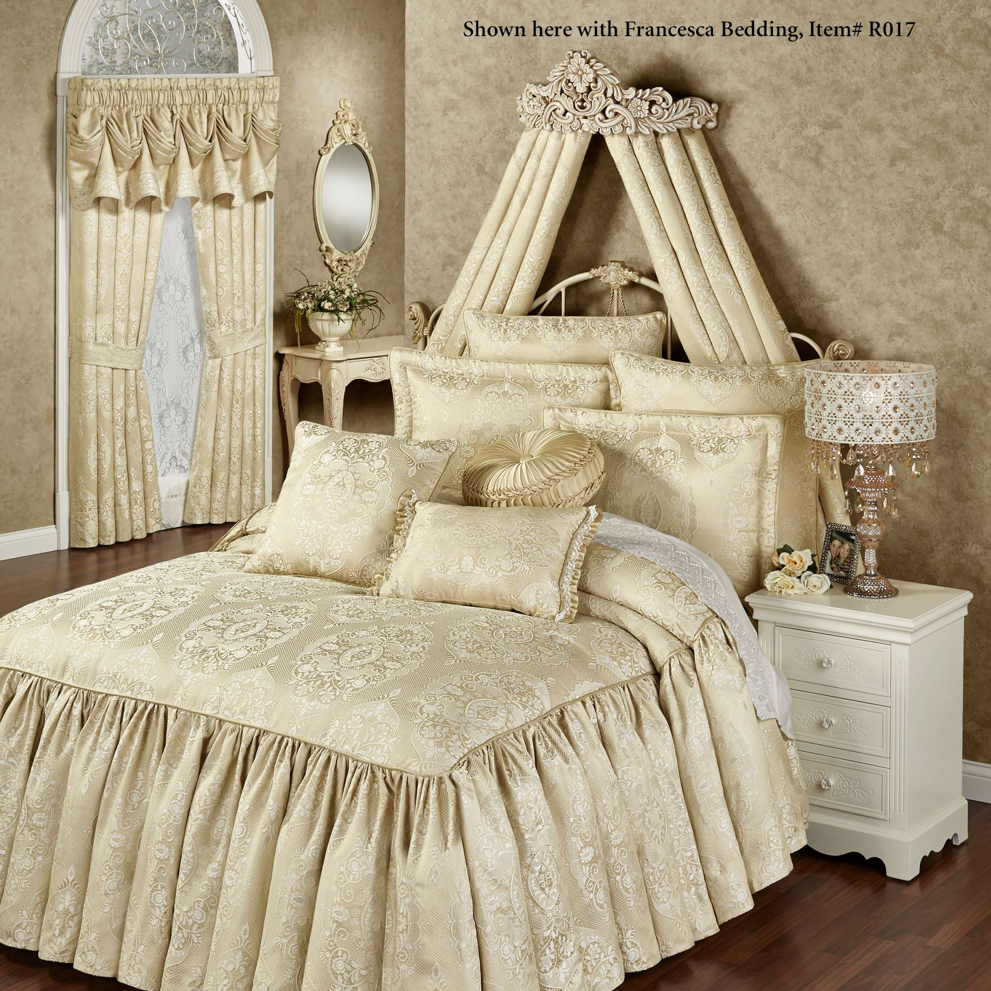 Viviana Wall Teester Bed Crown on Wall Teester Bed Crown  id=11248