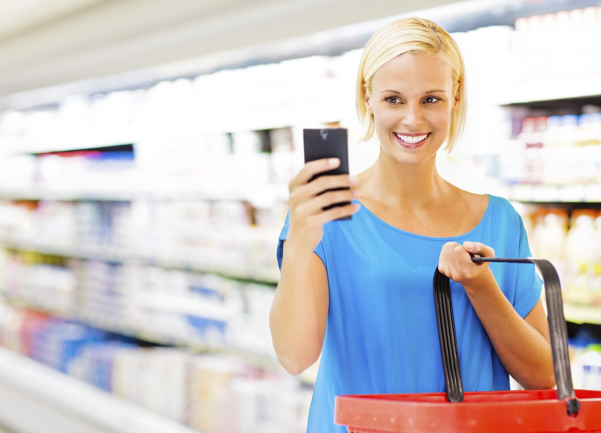 woman doing mystery shopping with basket