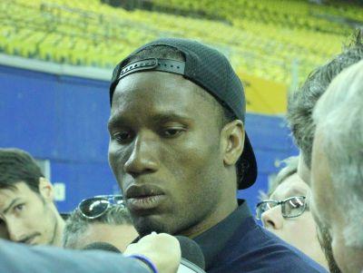 Didier-Drogba-Stade-Olympique-03