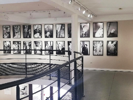 EXPOSITION PICTURE YOURELF A TOULON