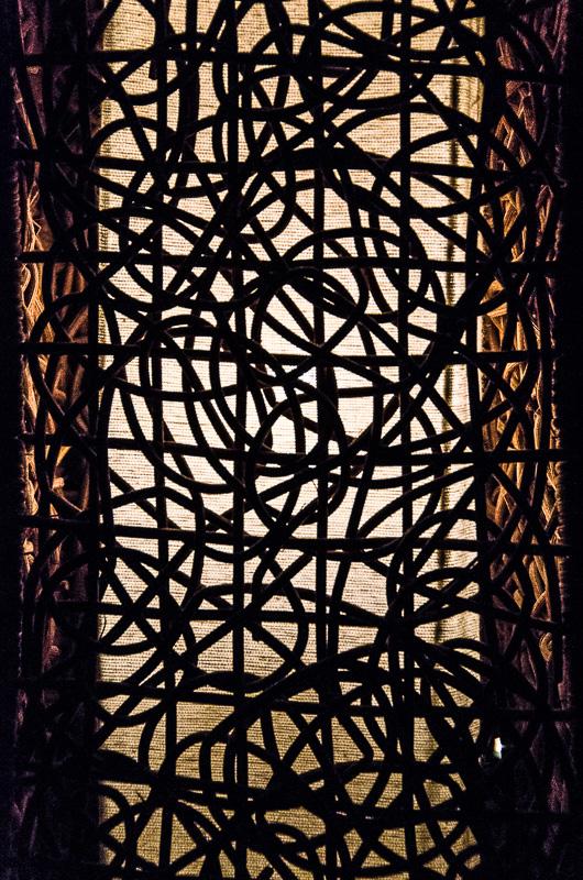 Licht hinter Gittern
