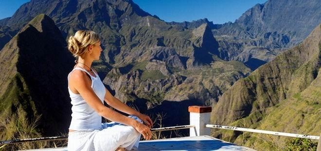 Yoga mit Bergpanorama