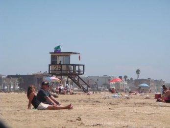 Wachturm am Seal Beach an der Küste von Los Angeles