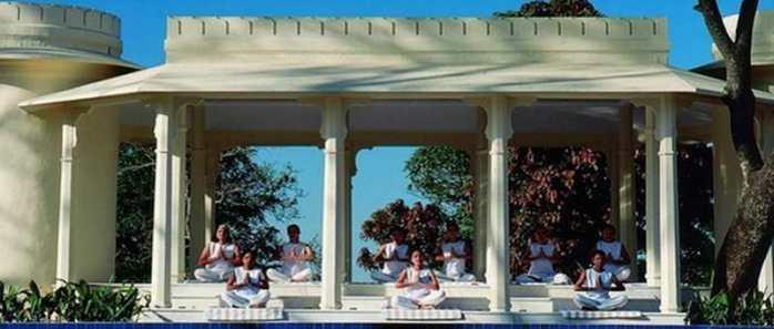 Ananda Spa Resort in der Nähe der Yoga-Stadt Rishikesh (Indien)