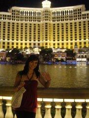 Vor dem berühmten Bellagio Hotel