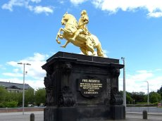 Das Denkmal vom Goldenen Reiter
