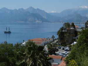 Blick auf die Bucht von Antalya © Dieter Schütz / pixelio.de