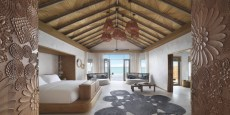 Fairmont_Maldives_Sirru_Fen_Fushi_Water_Villa_ Premium_Bedroom_0002