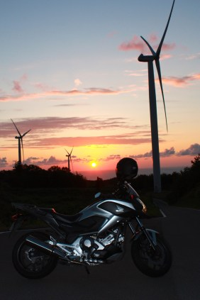 NC700X & Windmills at Sunset 4