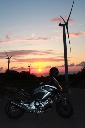 NC700X & Windmills at Sunset 4