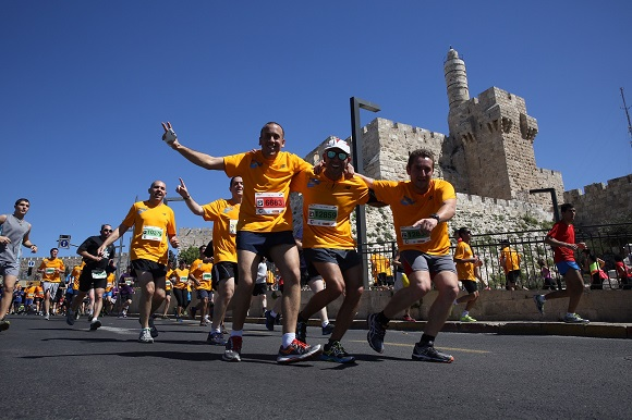 Touring Israel - jerusalem marathon 2015 (1)