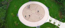 Central Park Labyrinth - Gardens & Parks