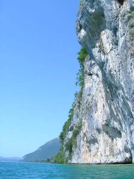 Lac d'Annecy : le roc de chère
