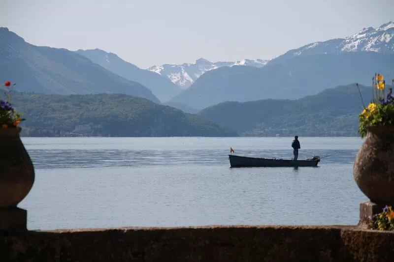 bateau de peche annecy